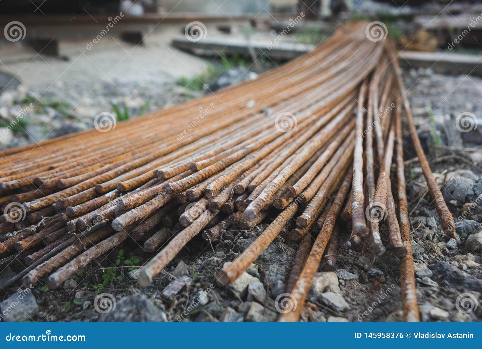 Стог баров подкрепления металла ржавых