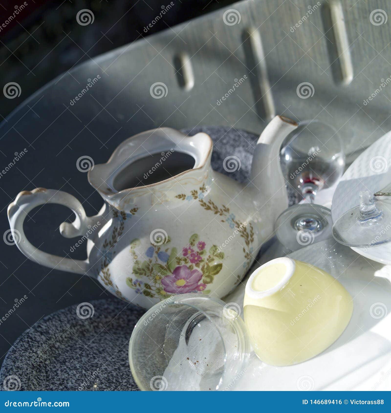 Стог посуды