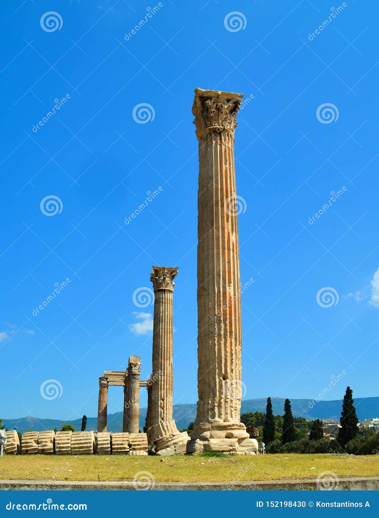 столбцы Афин Греции виска Зевса олимпийца