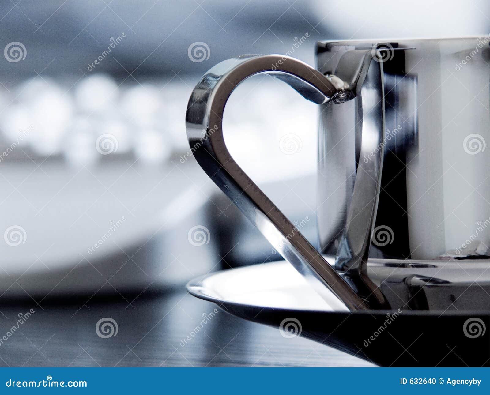 Download стол чашки coffe стоковое фото. изображение насчитывающей кафе - 632640