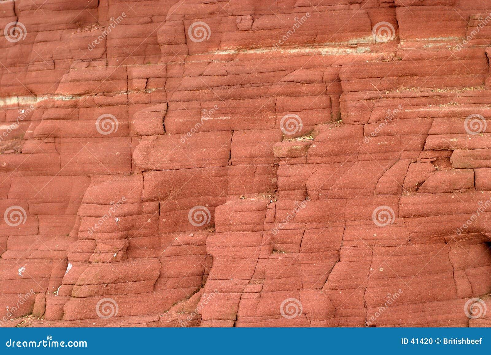 сторона скалы пляжа