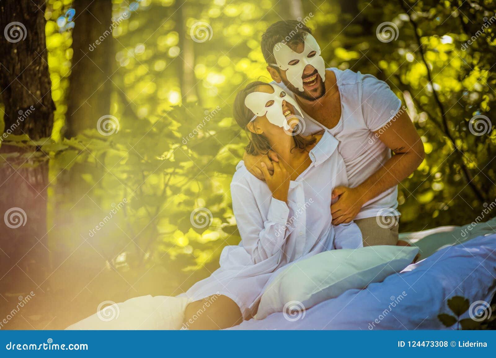Сторона спрятанная утром детеныши пар