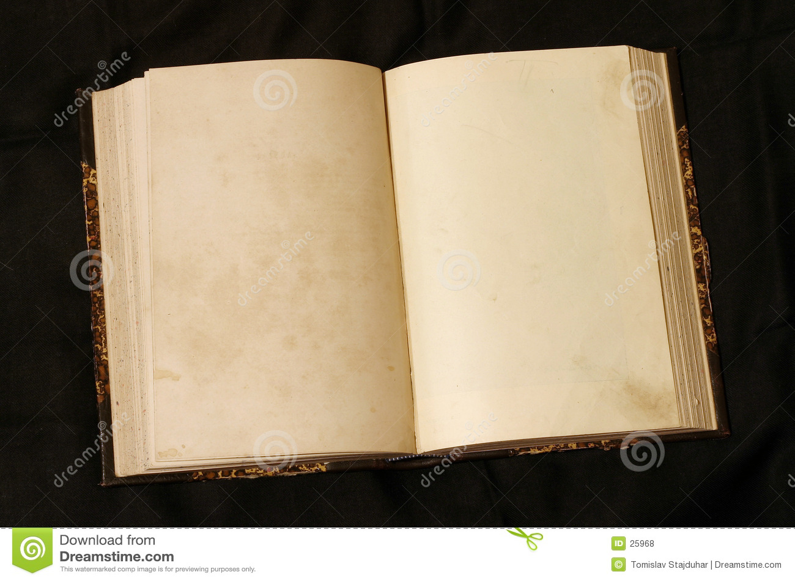 страницы книги пустые старые открытые