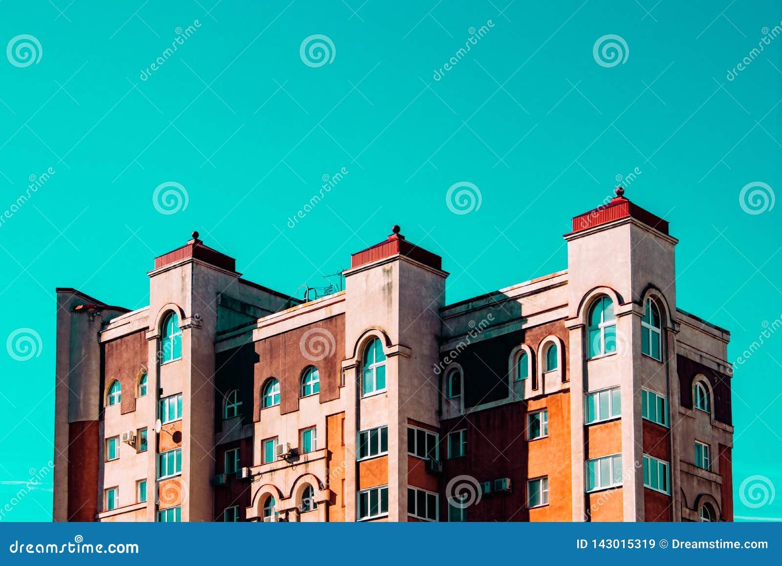 Строящ стилистически связывать старый замок