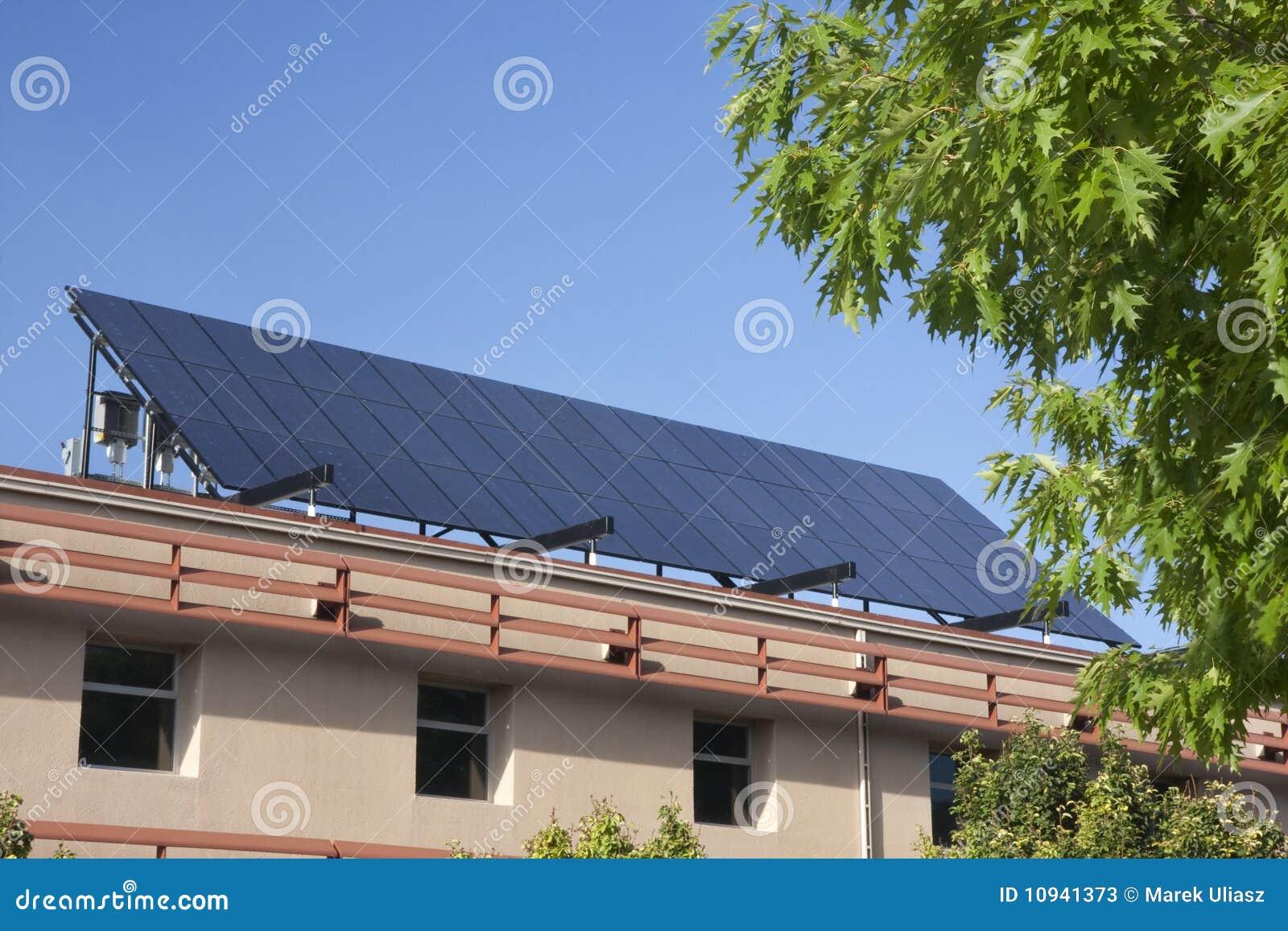 строя большая крыша панели солнечная