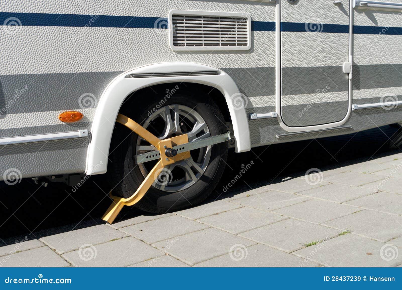 Струбцина колеса