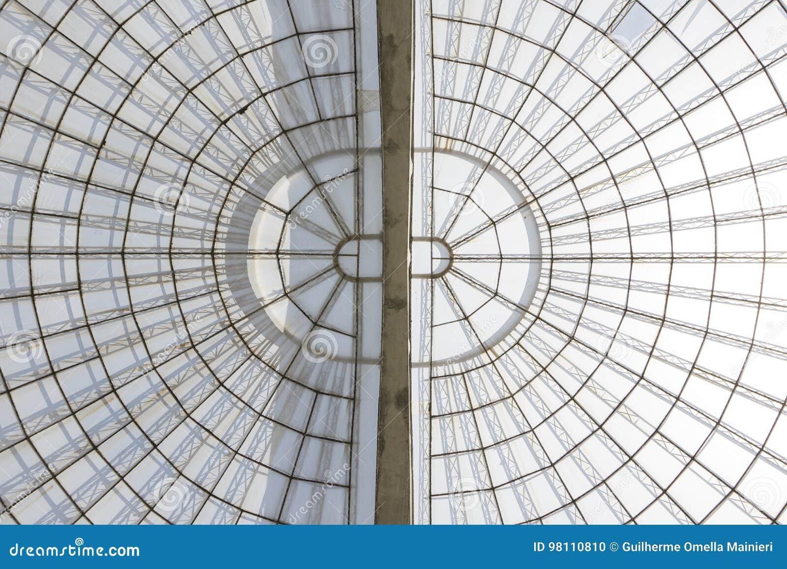 Структура симметричного купола парника vertial увиденная снизу