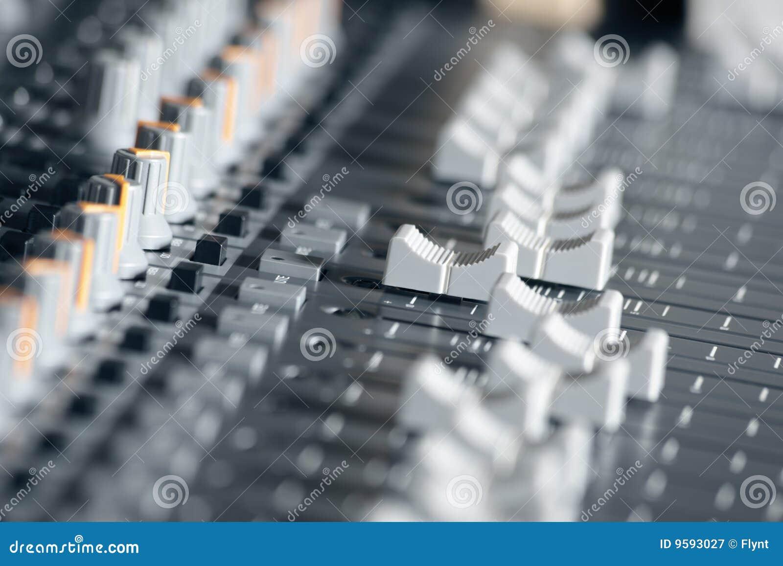 студия звука записи смесителя