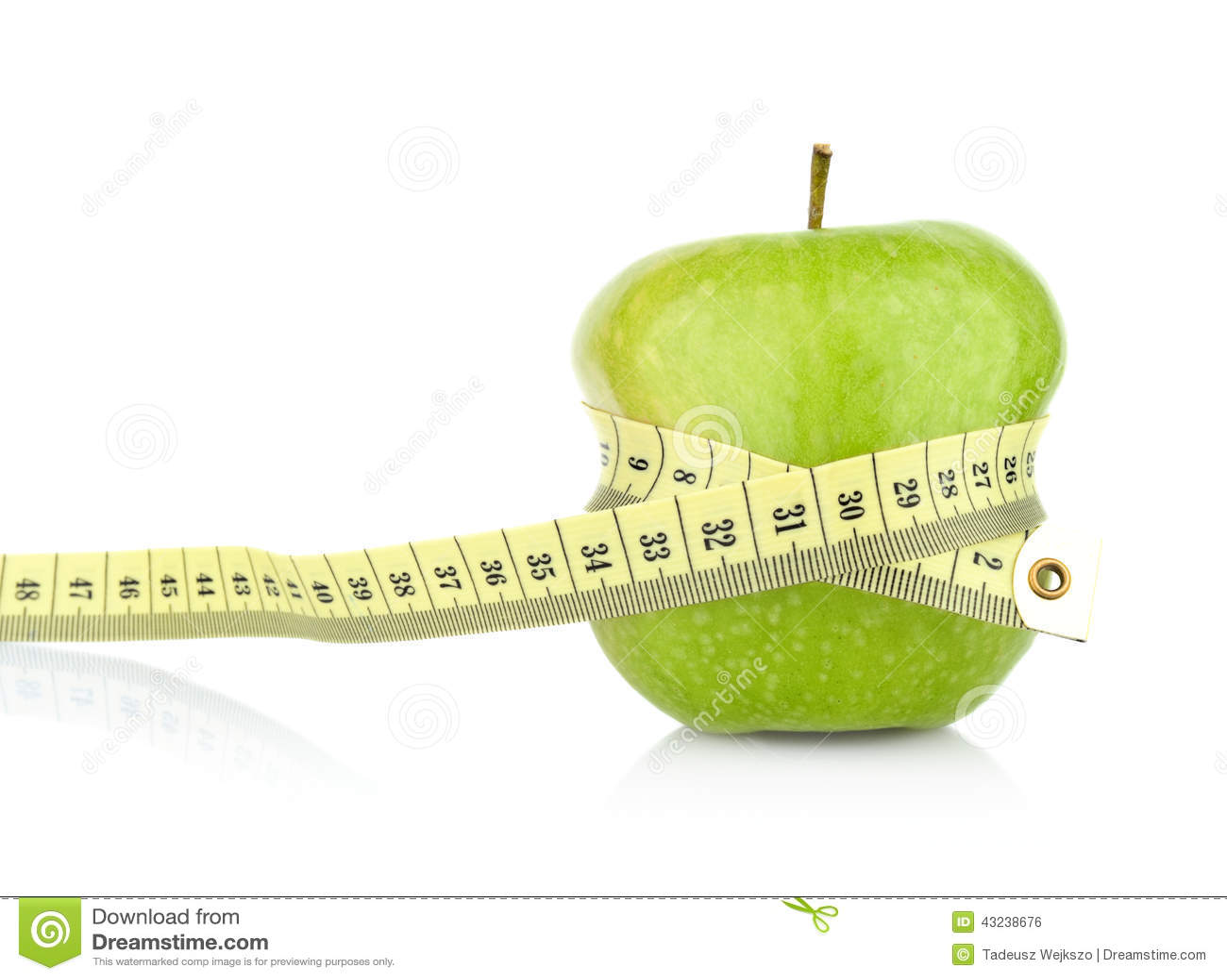 Студия сняла всего зеленого здорового яблока с рулеткой