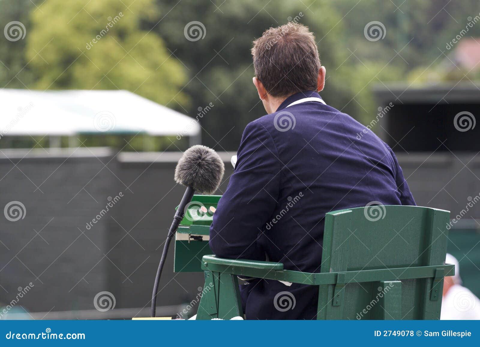 судья на вышке тенниса