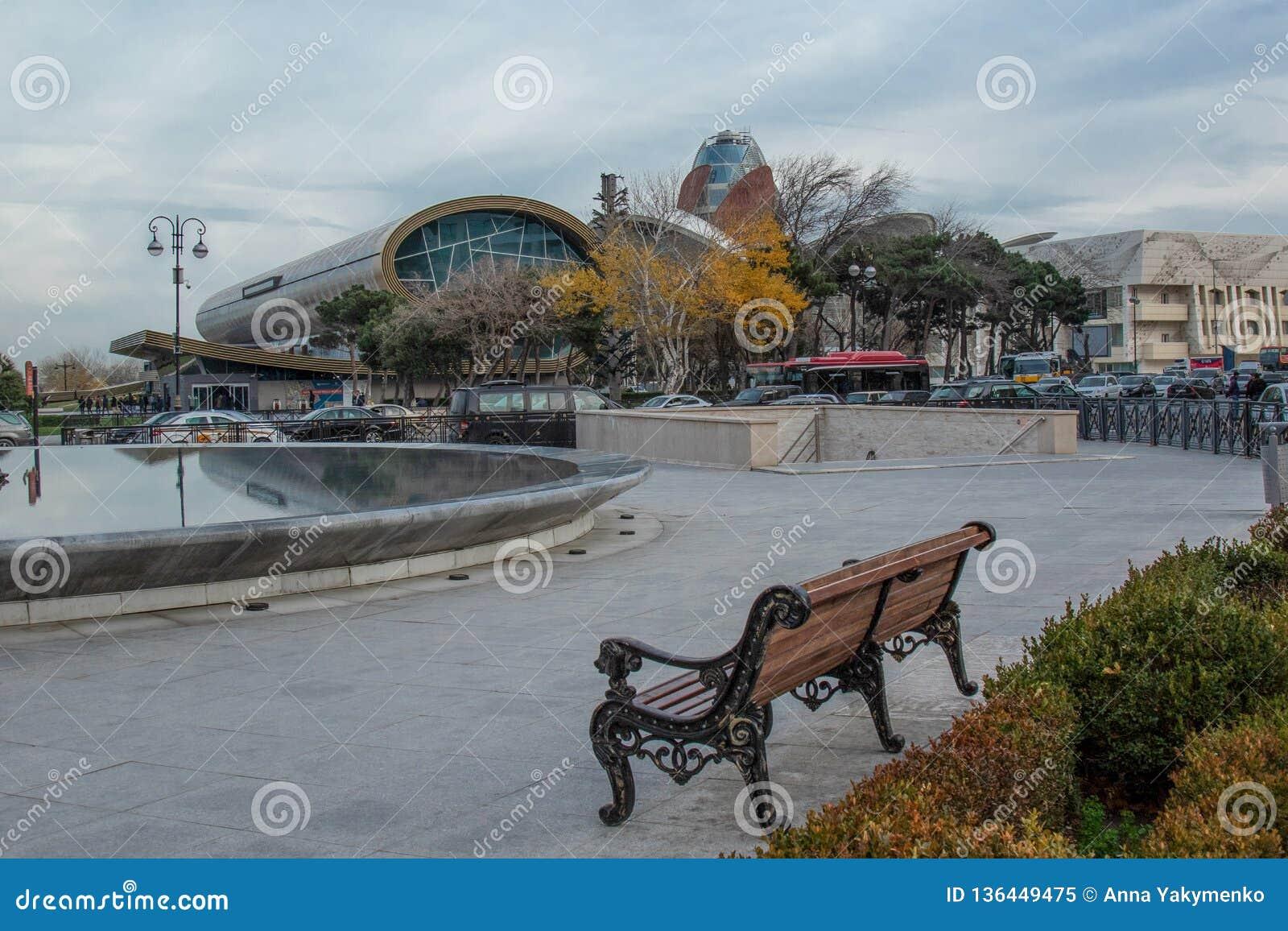 Суд, место, зима в панорамном виде Баку