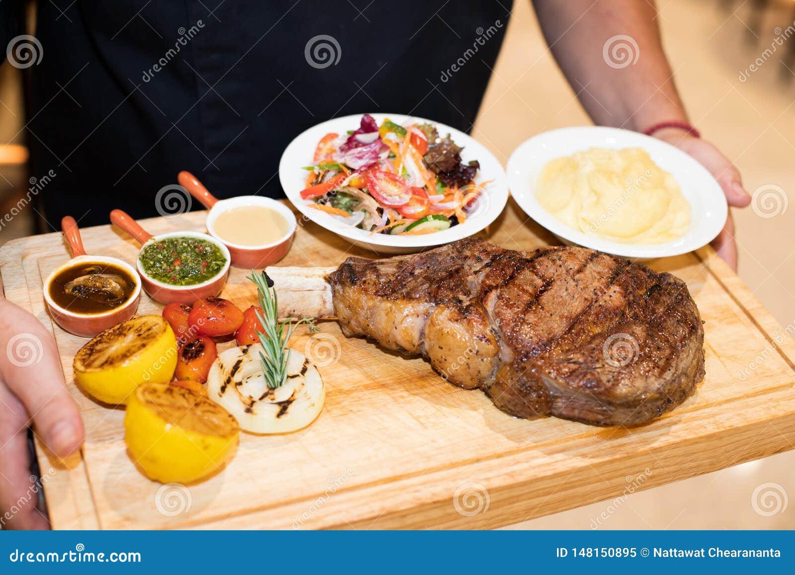 Сулой жаркого барбекю говядины, куска главным родом