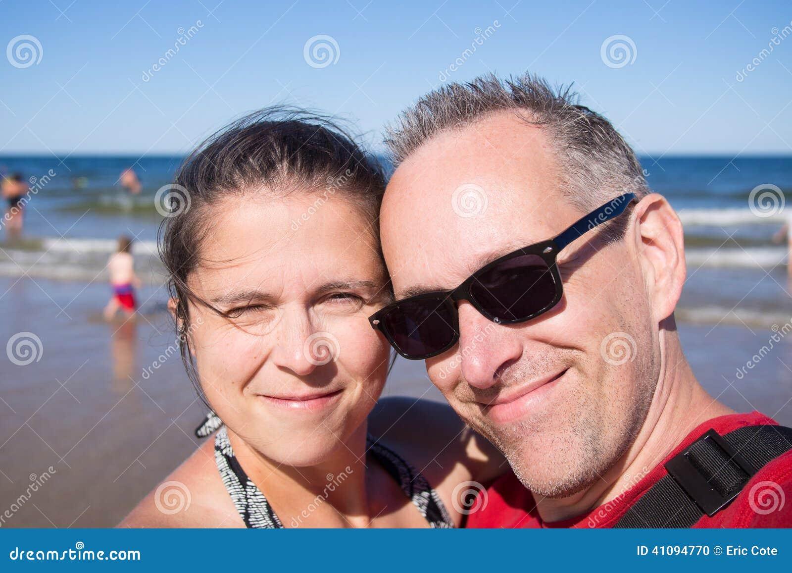 Фото супругов на море 2 фотография