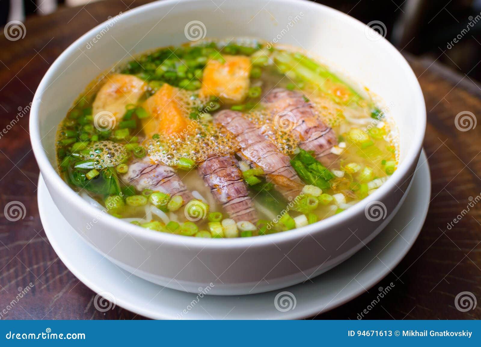 Суп вьетнамца Pho Тома