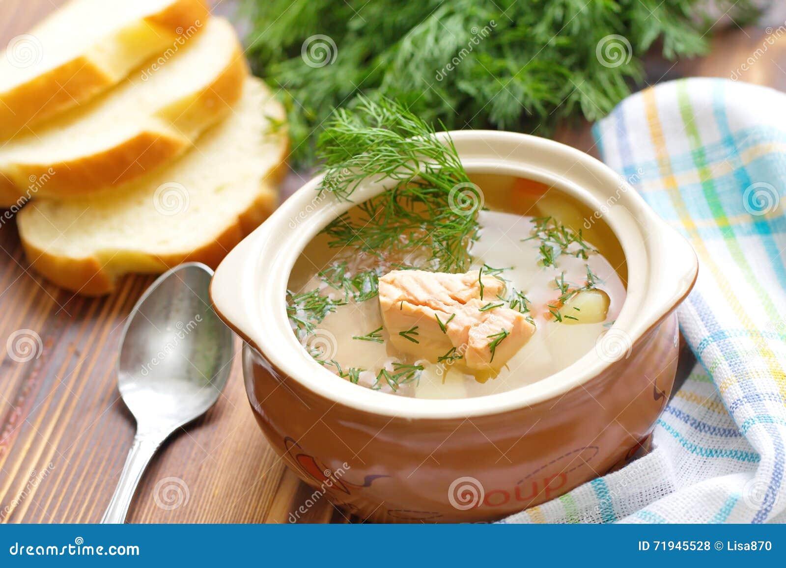 Суп рыб с семгами