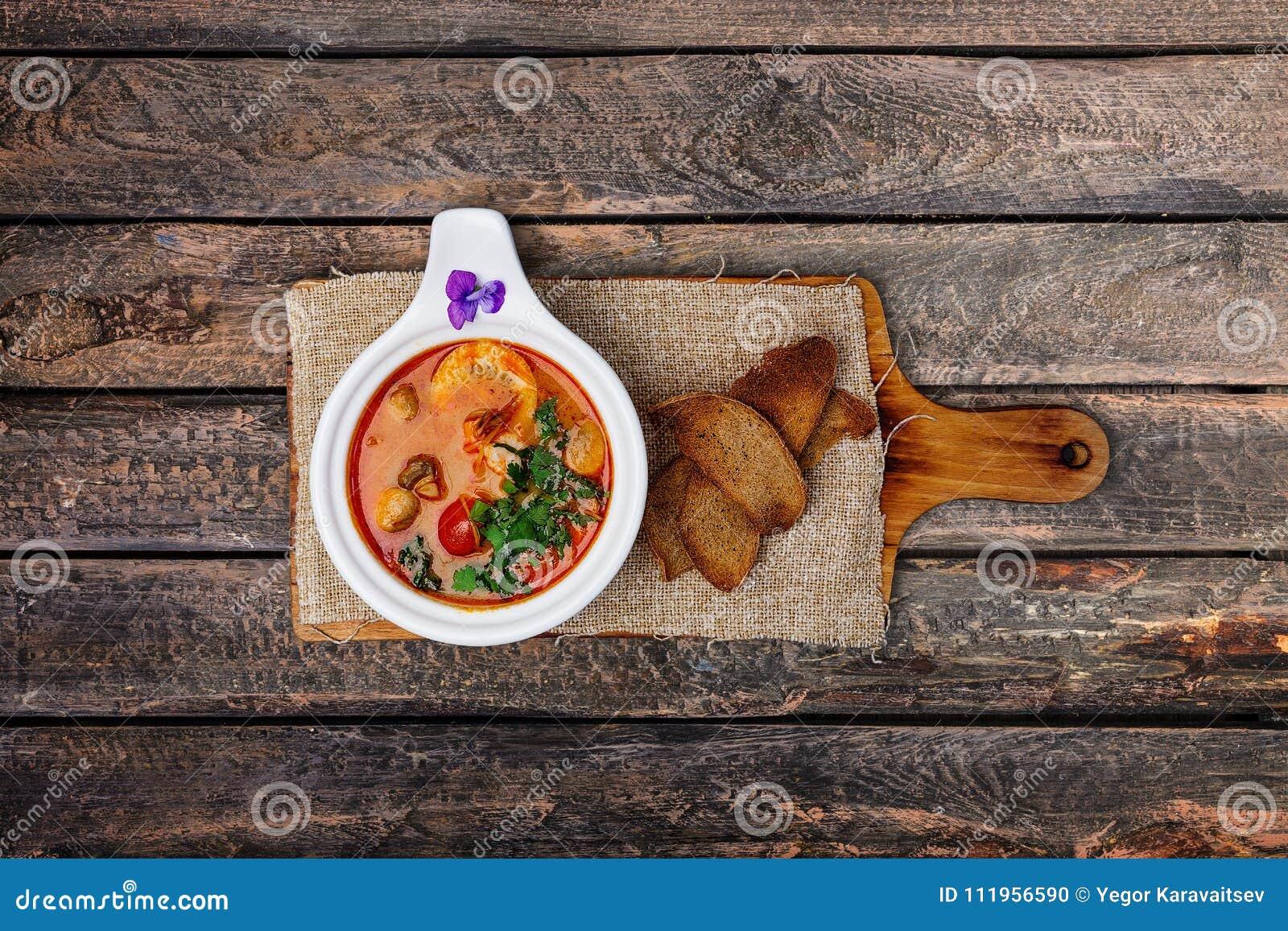 Суп Тома Яма с креветками