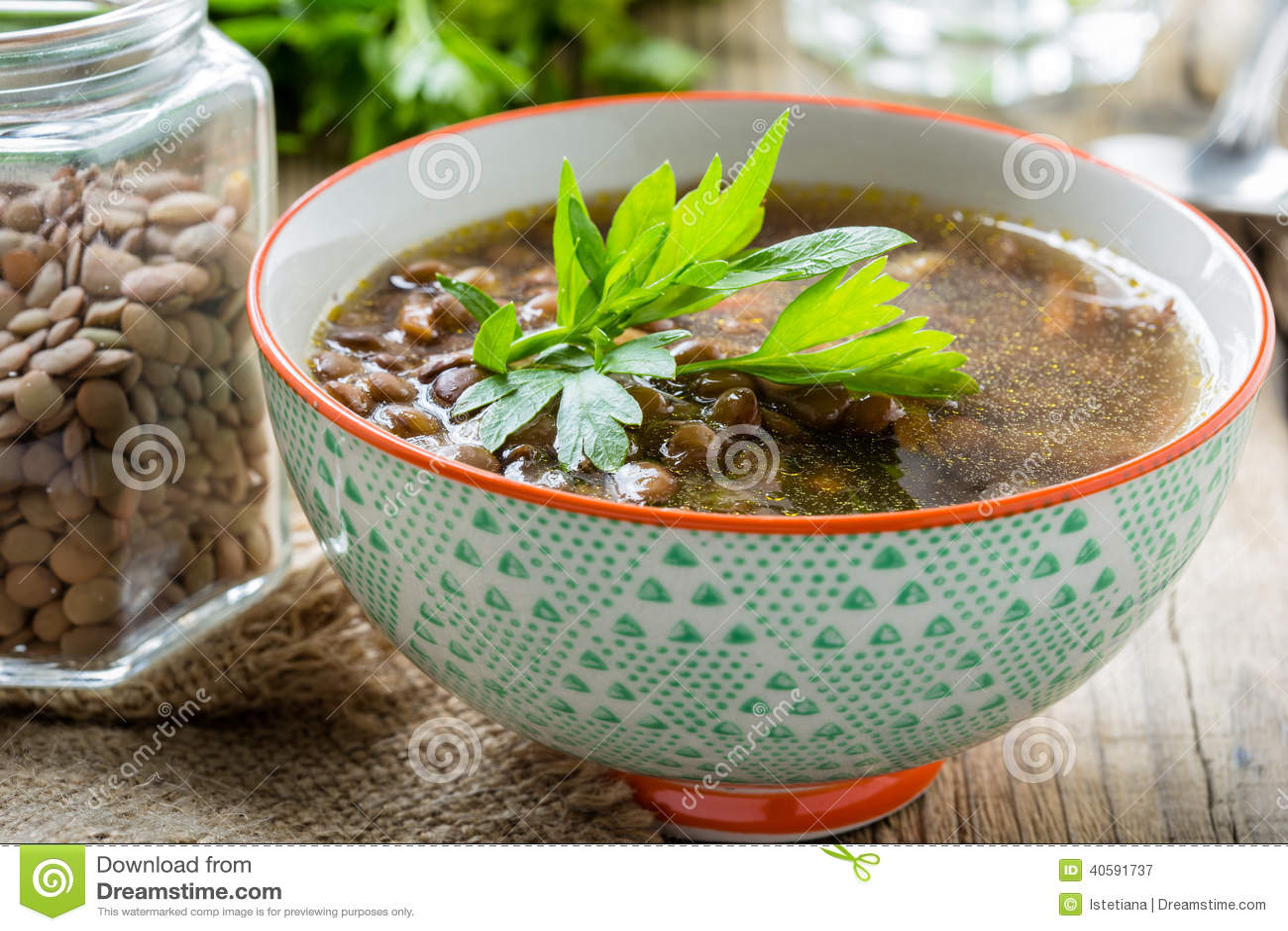 Суп чечевицы Брайна с грибами в шаре