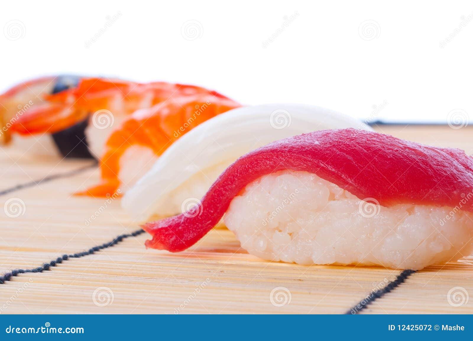 суши японца ассортимента