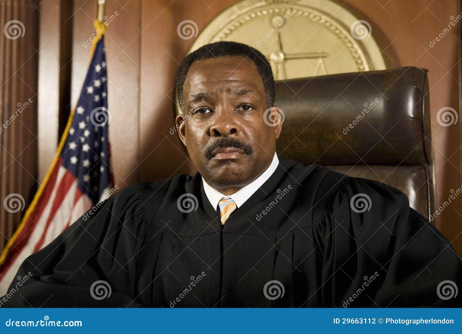 Судья. В зале судебных заседаний