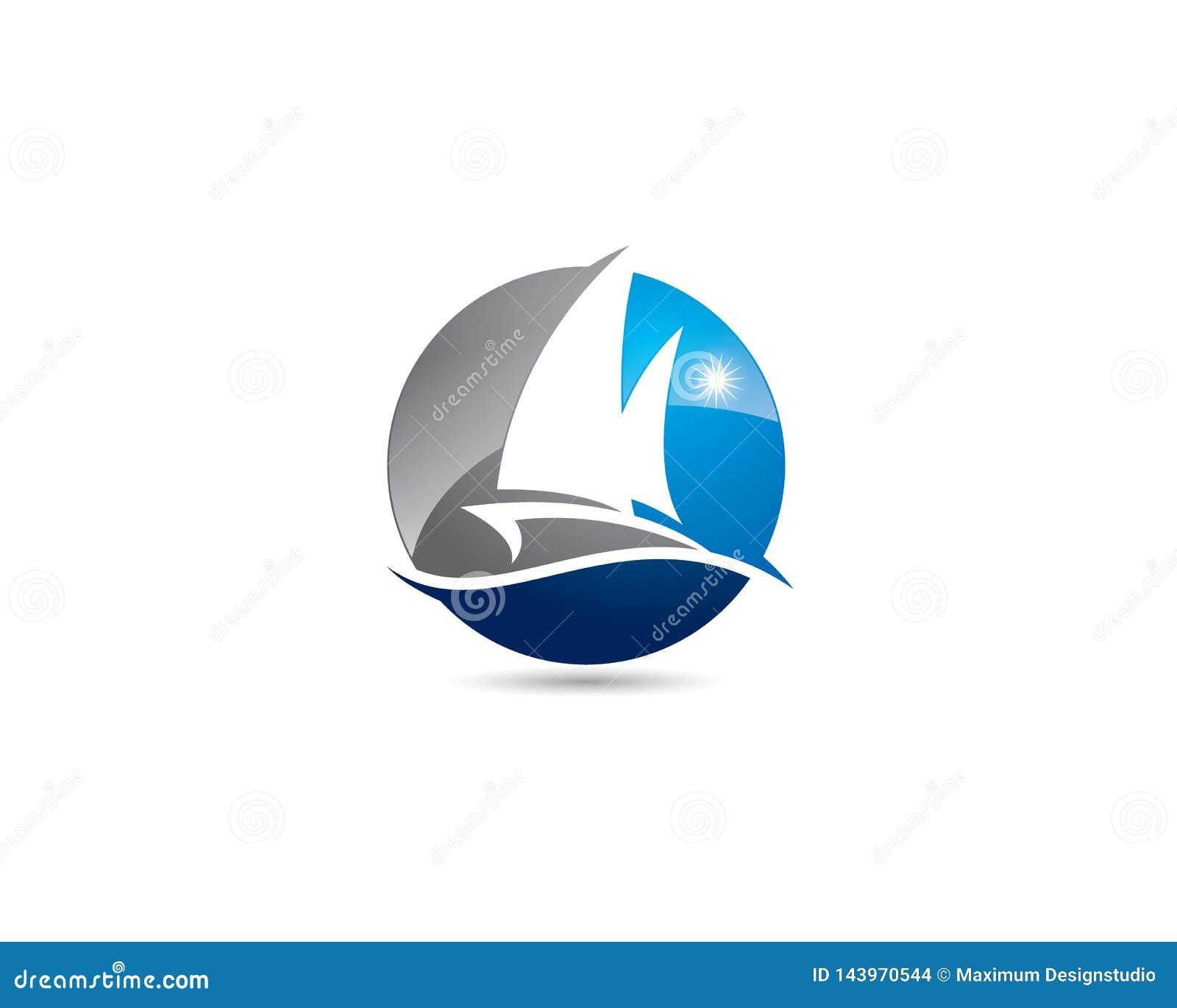 Сферически яхта шлюпки в отрицательном логотипе космоса со светить солнца и океанской волной лета