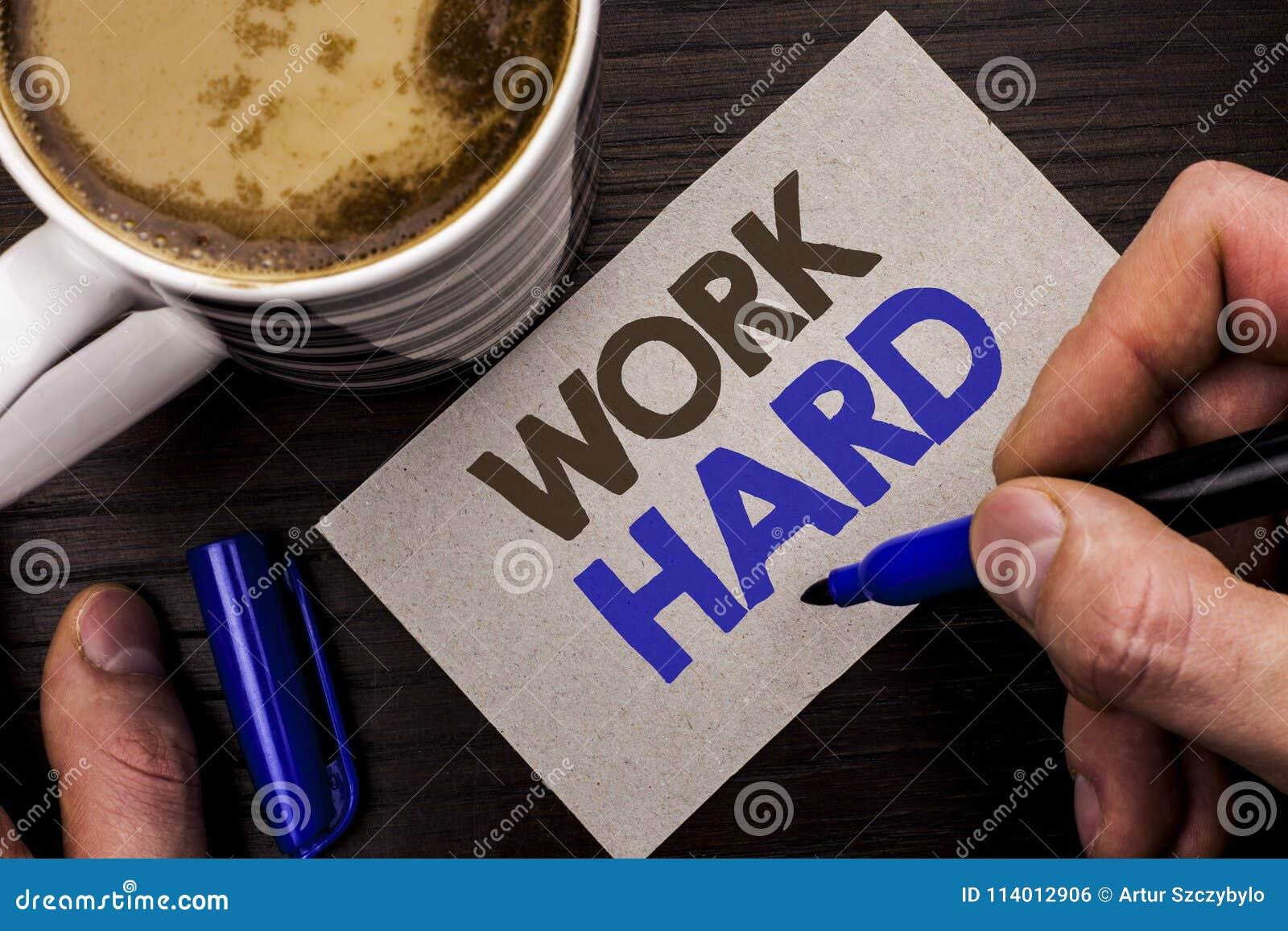 Схематическая работа показа сочинительства руки крепко Исковое заявление действия достижения мотивировки гонора усилия успеха схв