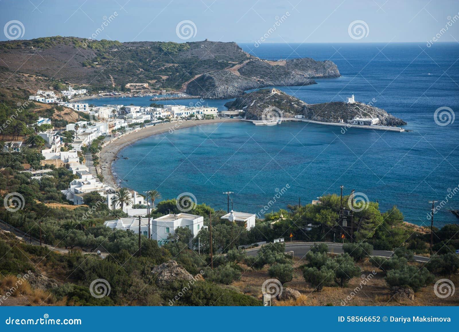 Сценарный ландшафт с видом на море, Kythira, Грецией
