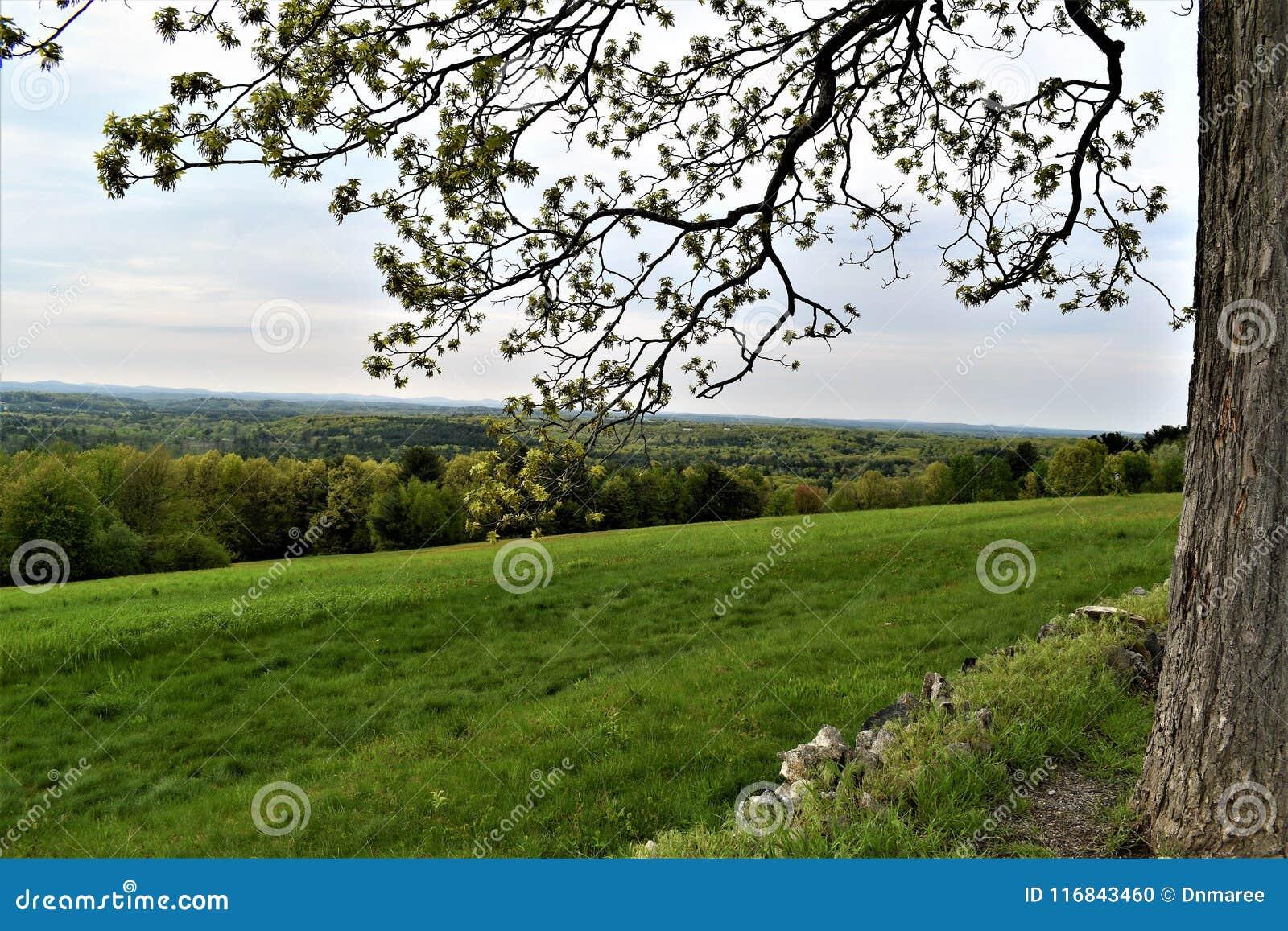 Сценарный взгляд убежища Oxbow национального Wildlfe принятого от Гарварда, Массачусетса, Соединенных Штатов