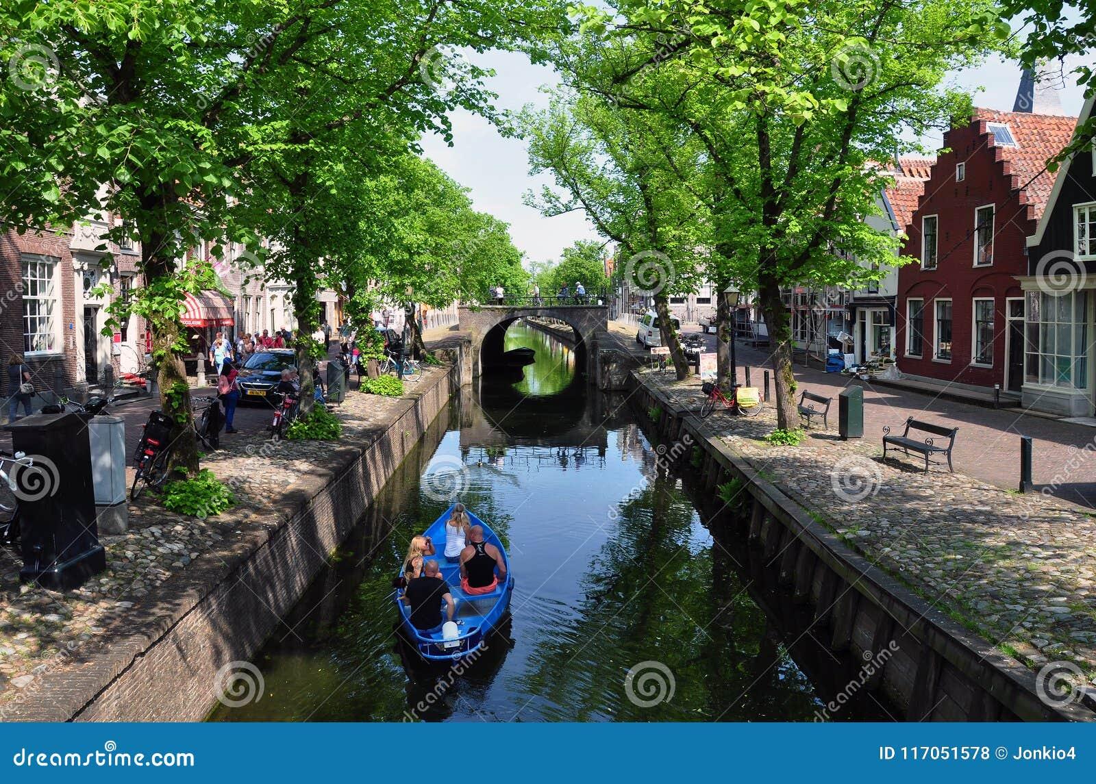Сцена канала в Эдамере, Нидерландах