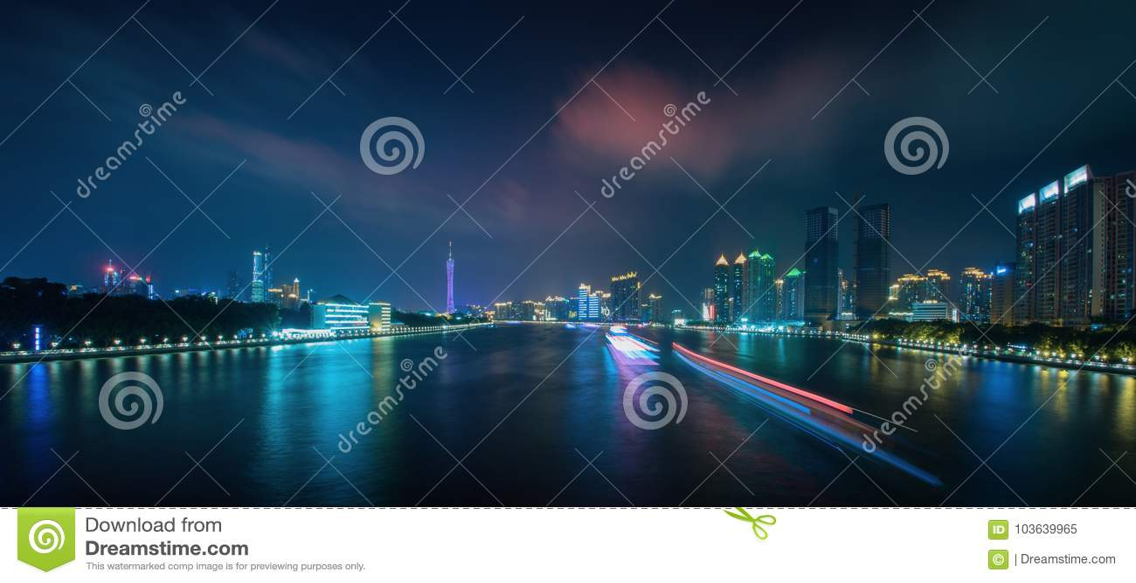 Сцена 3 ночи Pearl River