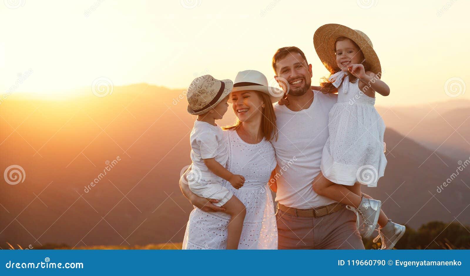 Мама, папа, бабушка, дедушка, сын, дочь | 781x1300