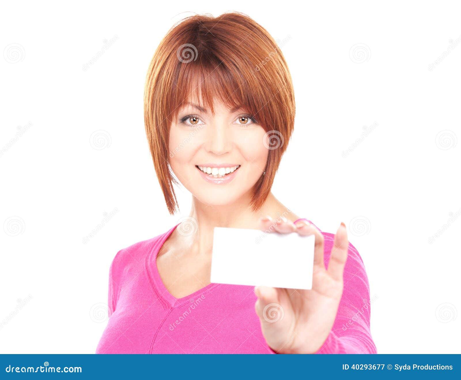 Счастливая женщина с визитной карточкой