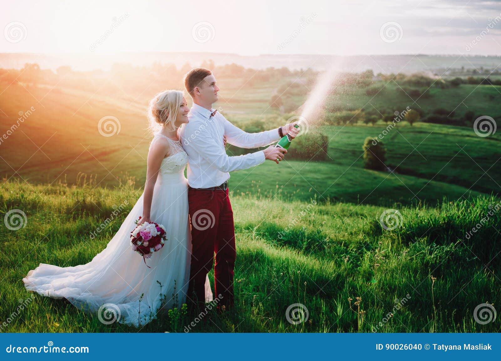 Брызгают на невест фото фото 105-632