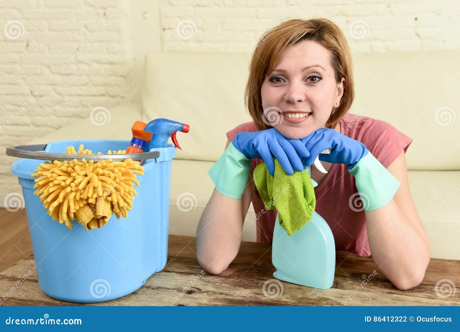 Посвящения домохозяйка и возбужденный