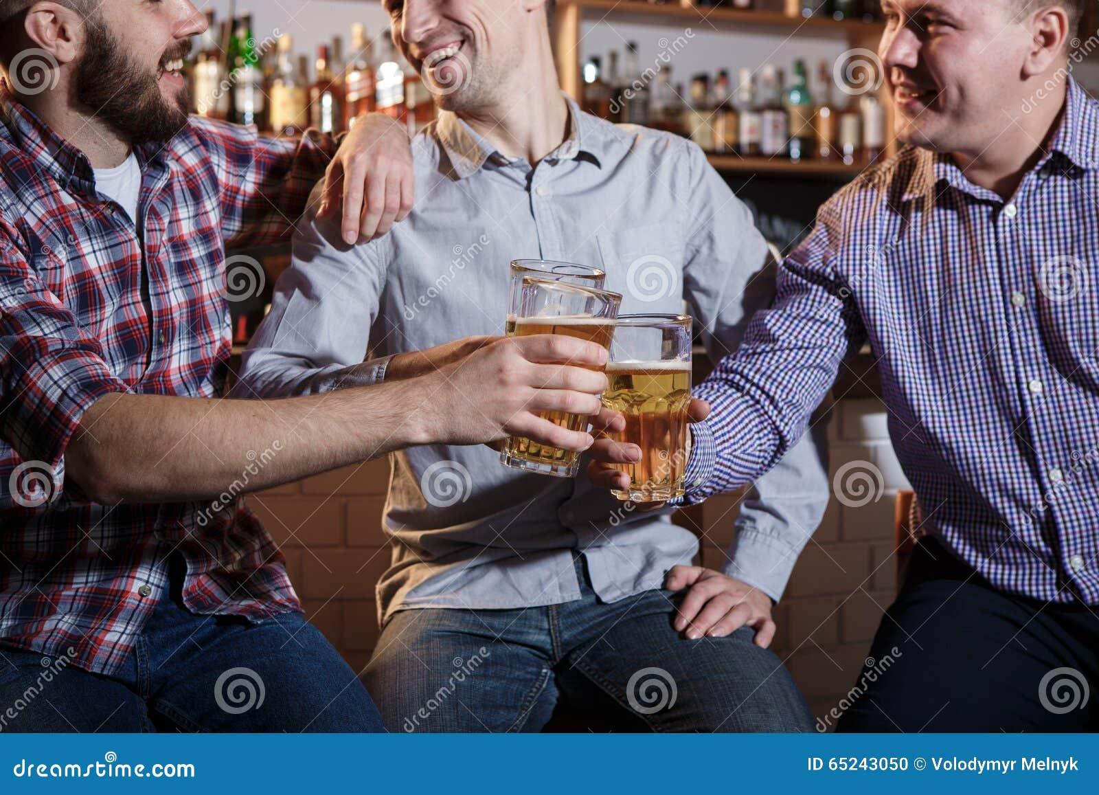 раз я выпил с друзьями по привычке слушать - 2