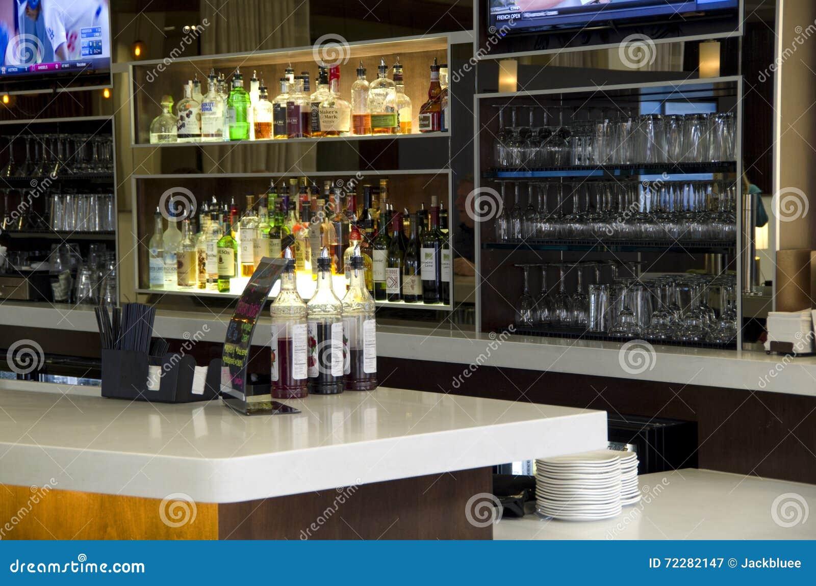 Download Счетчик бара отеля редакционное фотография. изображение насчитывающей шикарно - 72282147