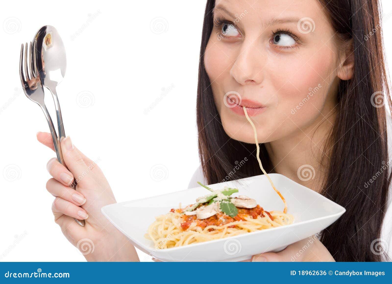 съешьте женщину спагетти соуса портрета еды итальянскую