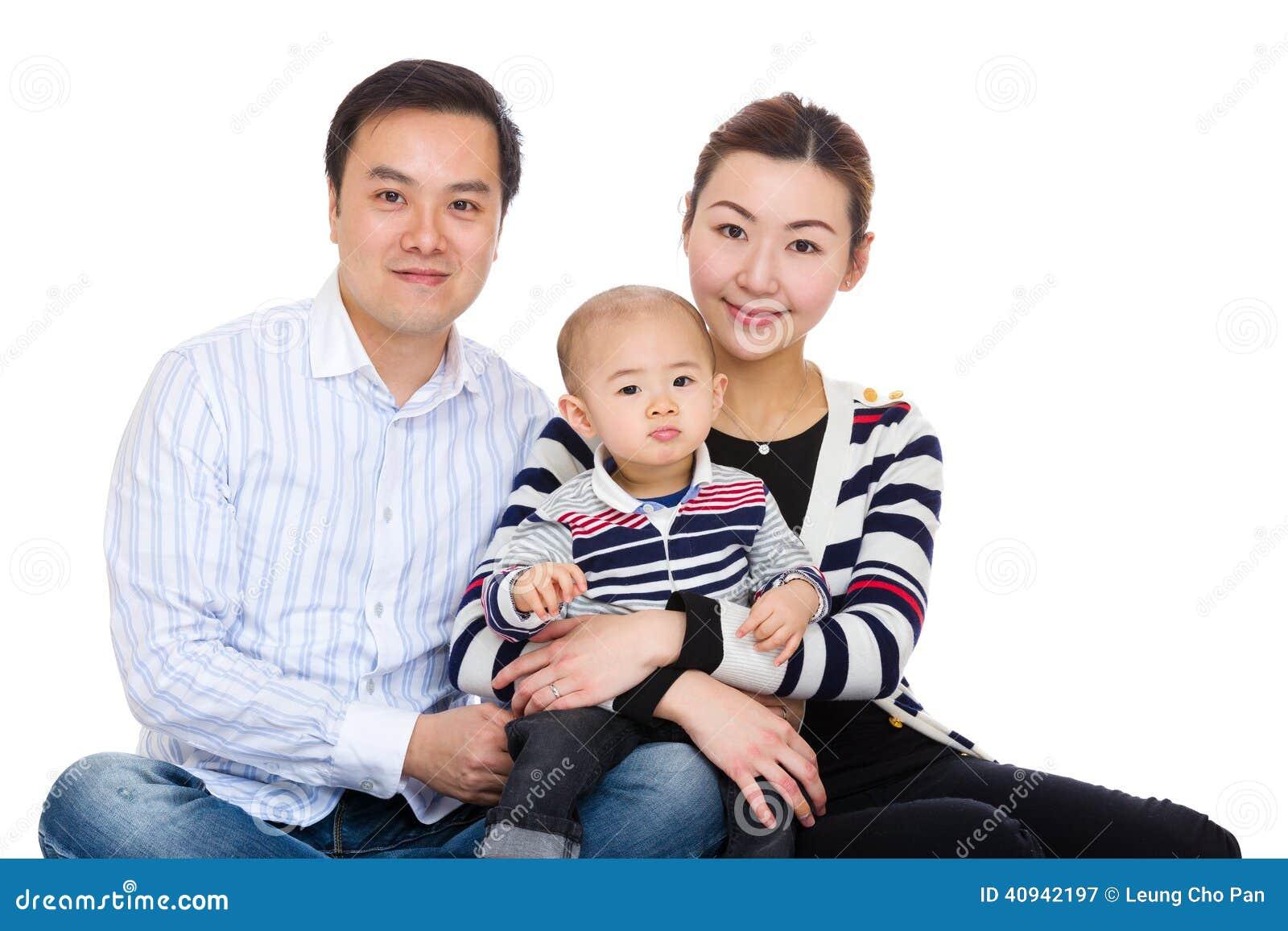 Сын матери, отца и младенца