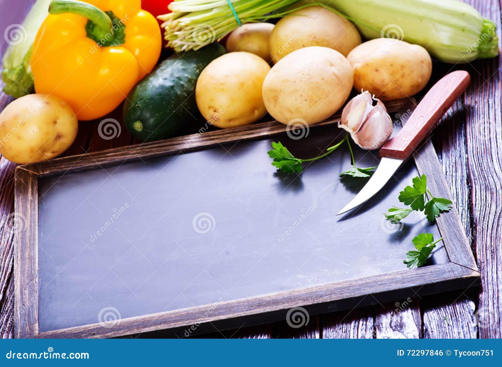 Download сырцовые овощи стоковое фото. изображение насчитывающей корзины - 72297846
