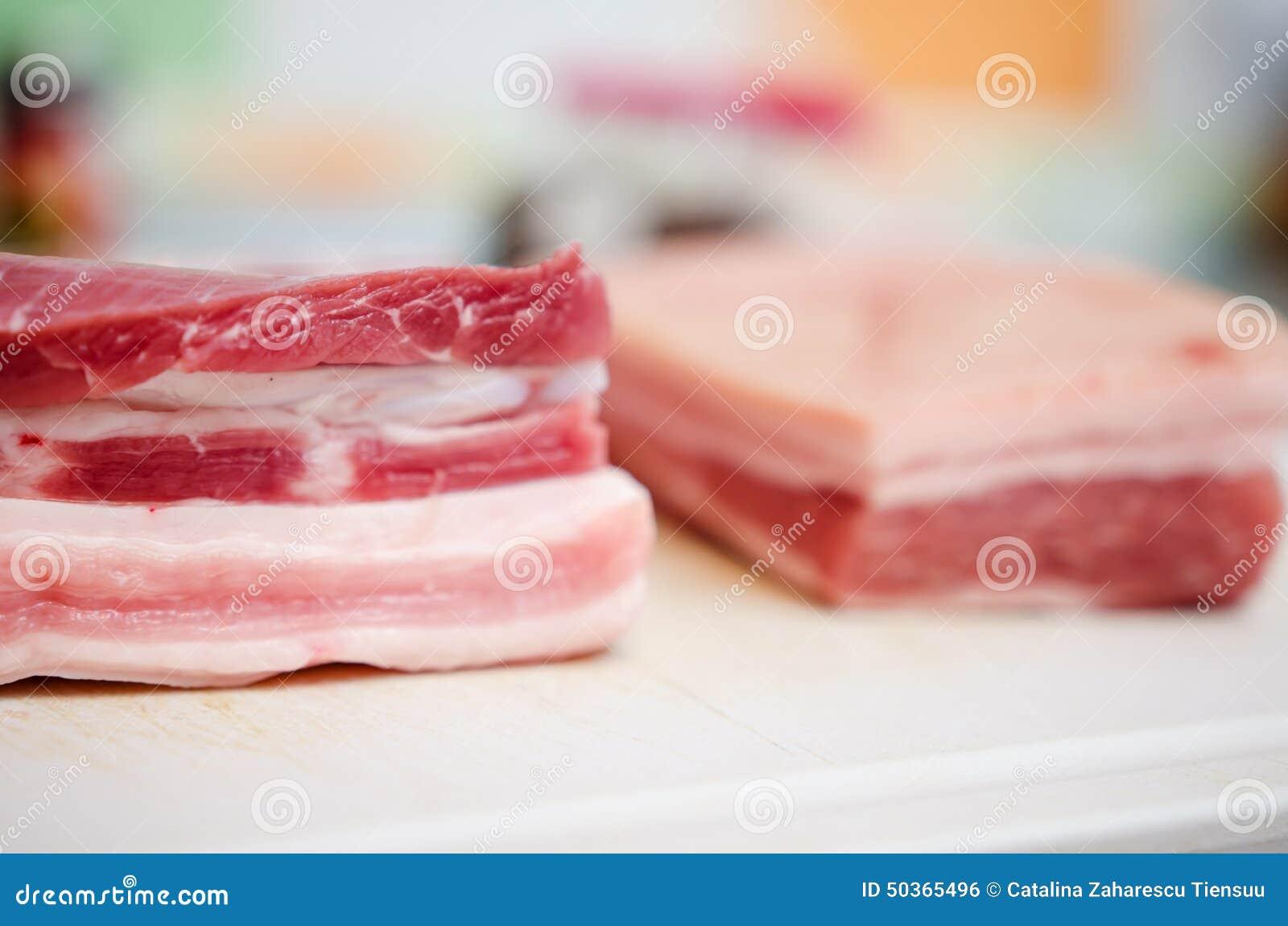 Сырцовый живот свинины