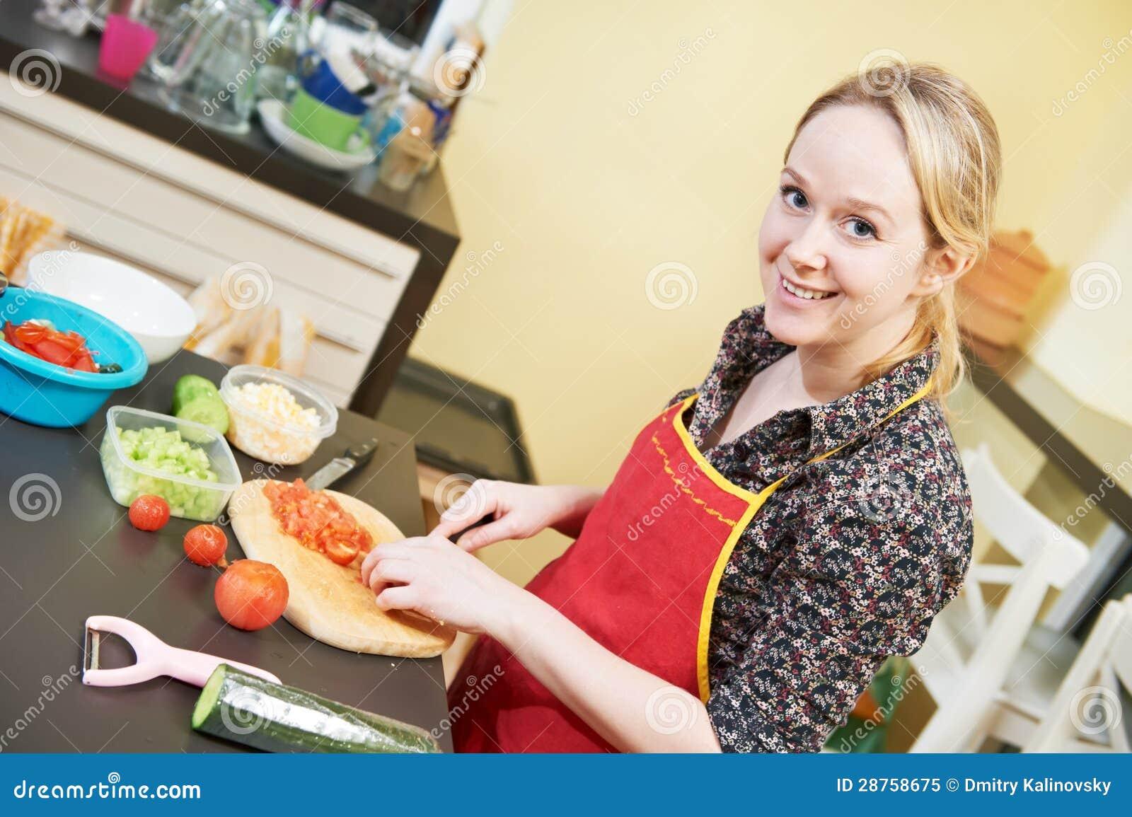 Трахнул сестру в кухне ей понравилось, Трахнул сестру на кухне -видео. Смотреть трахнул 22 фотография