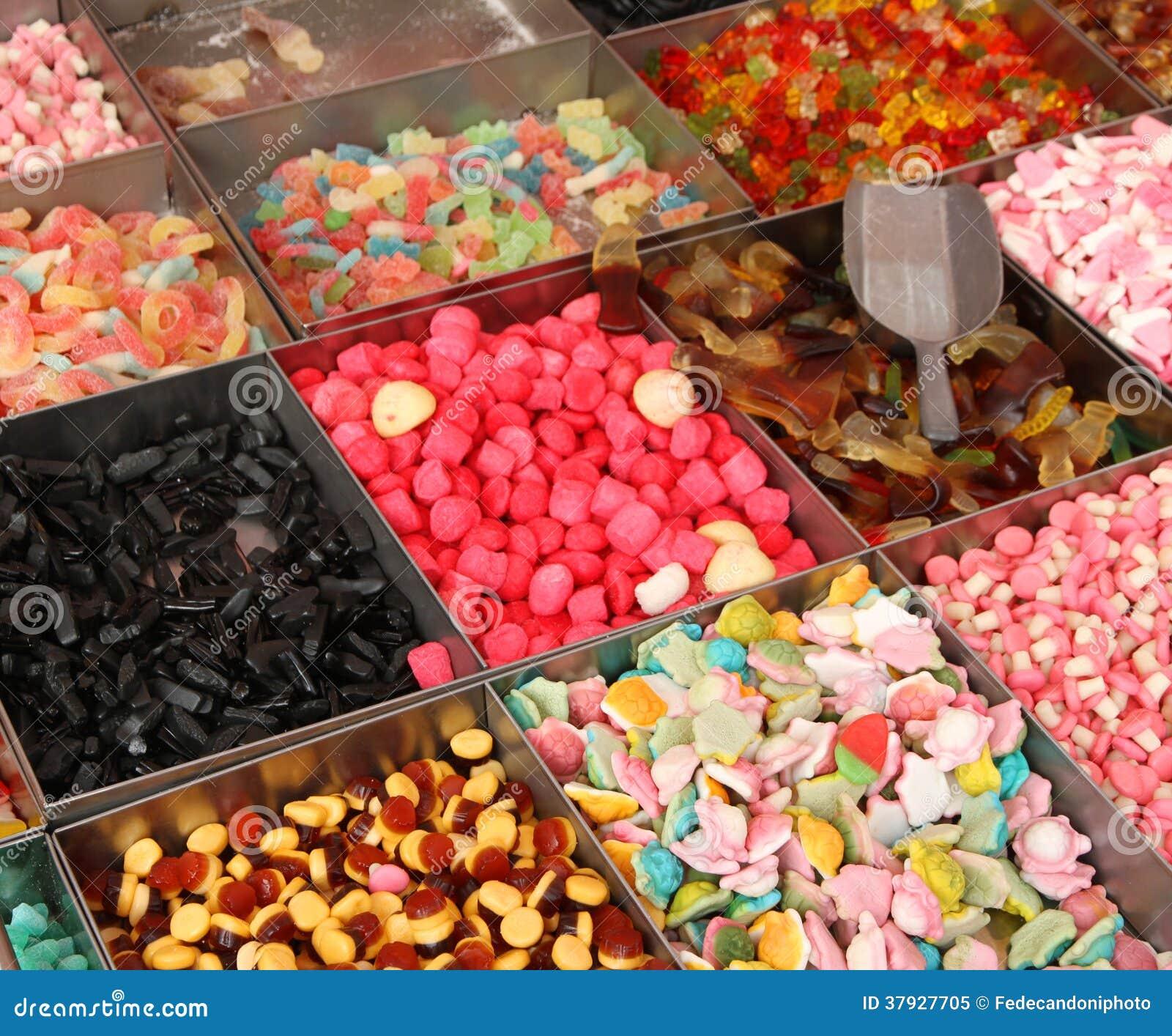 Сладостные конфета и кондитерская для продажи на рынке