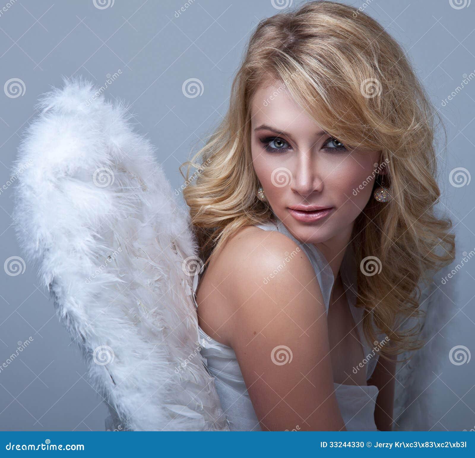 Блондинка сладкая