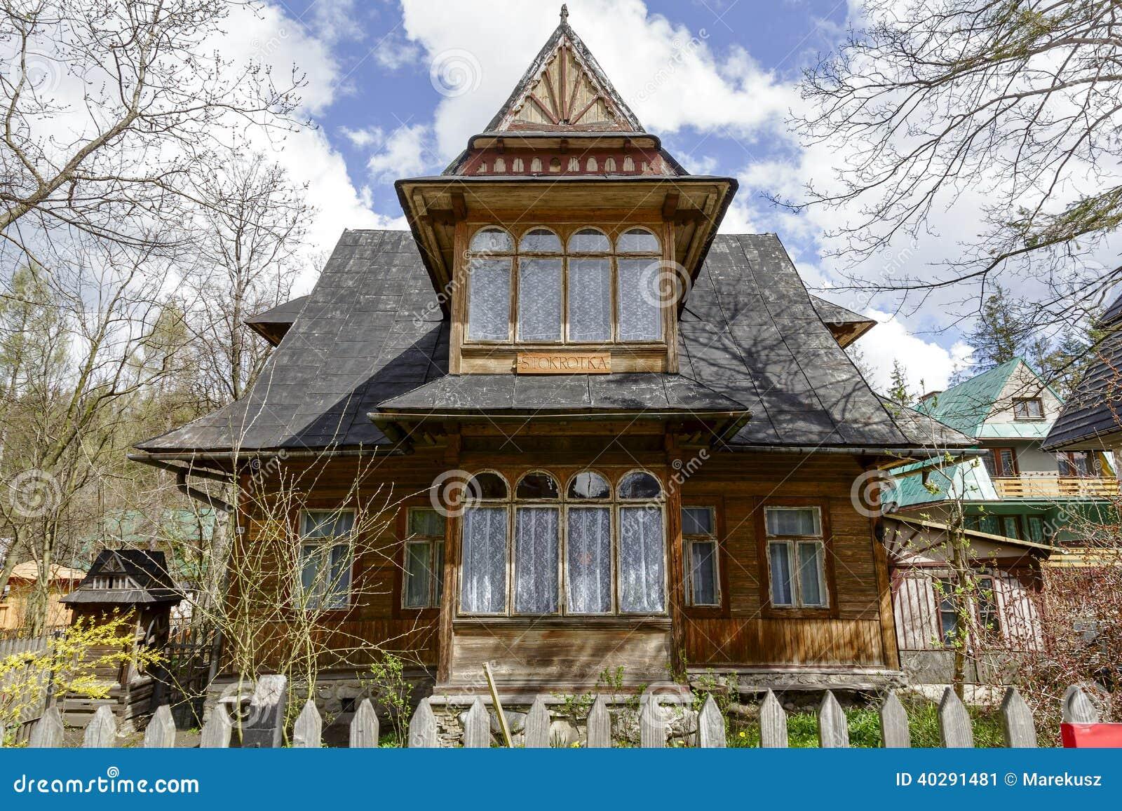 Сделанный из деревянной виллы Stokrotka в Zakopane
