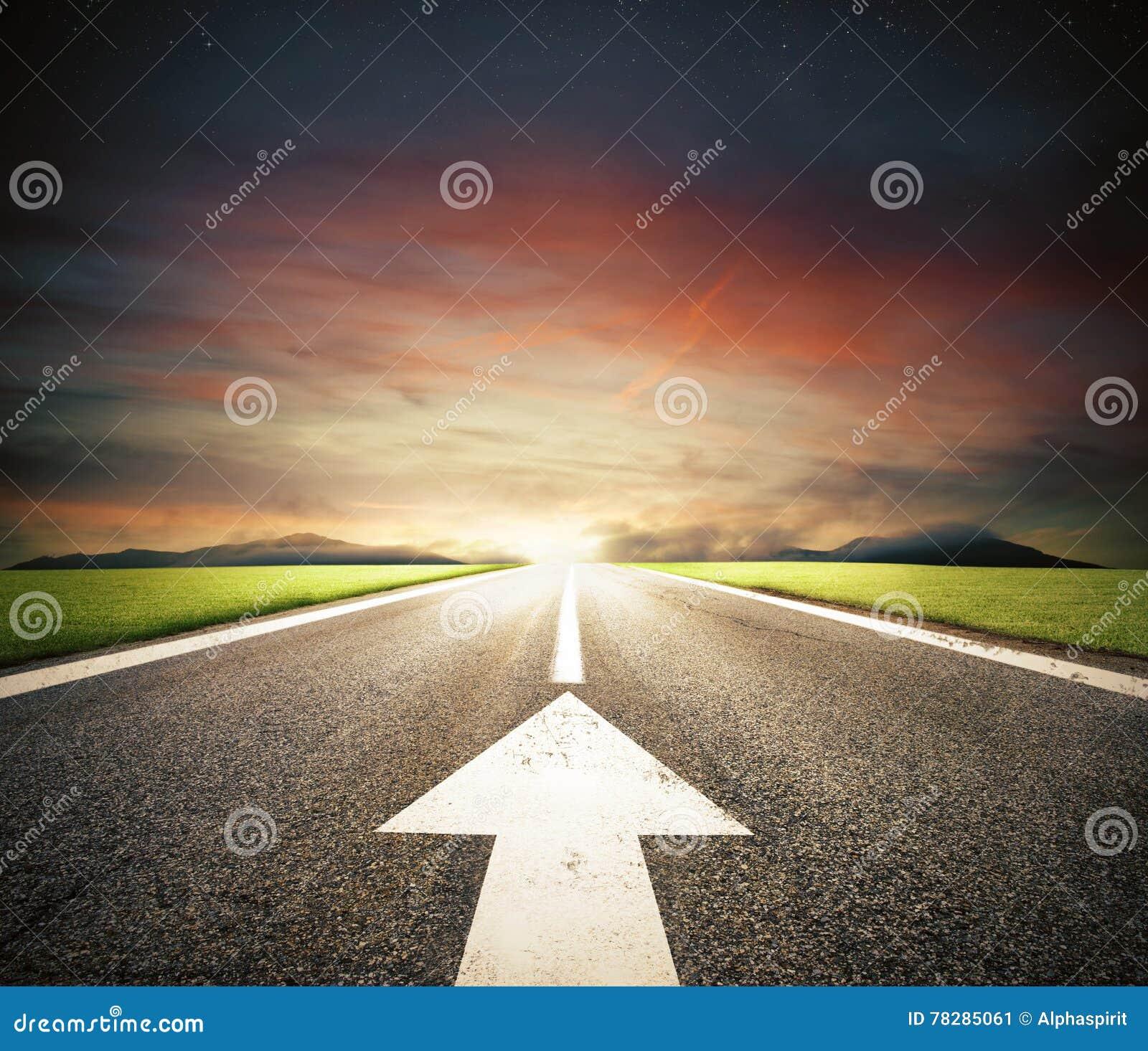Следовать дорогой к успеху