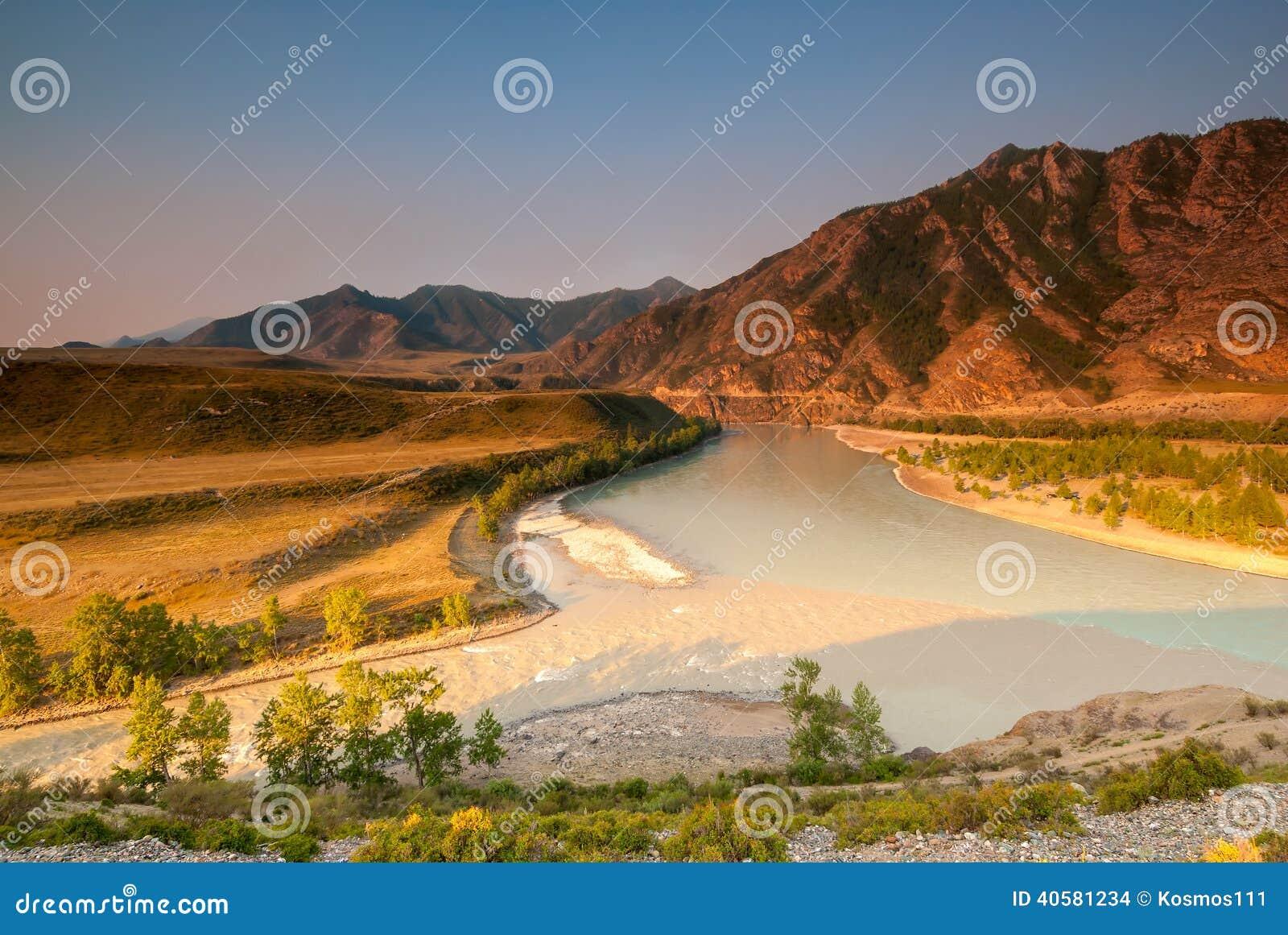 Слияние 2 больших рек Altai