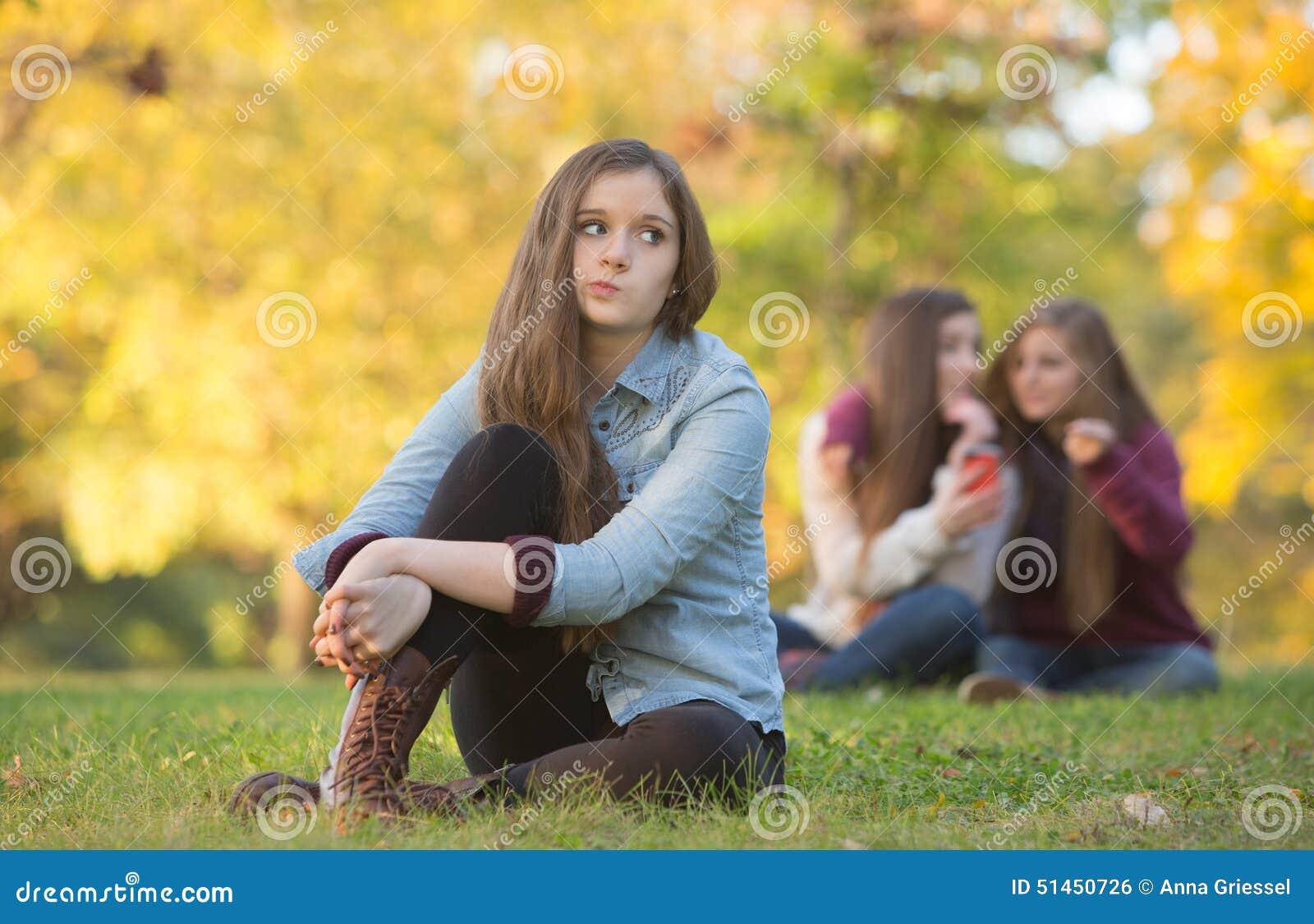 Слухи о предназначенной для подростков девушке