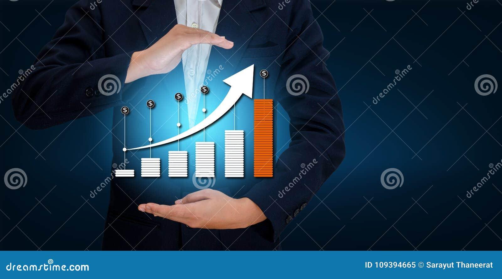 Таблица дела диаграммы бизнесмена руки сняла вверх по увеличению