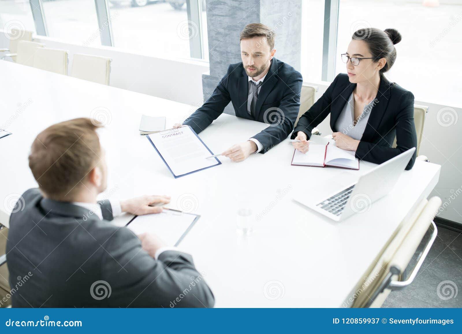 таблица людей деловой встречи