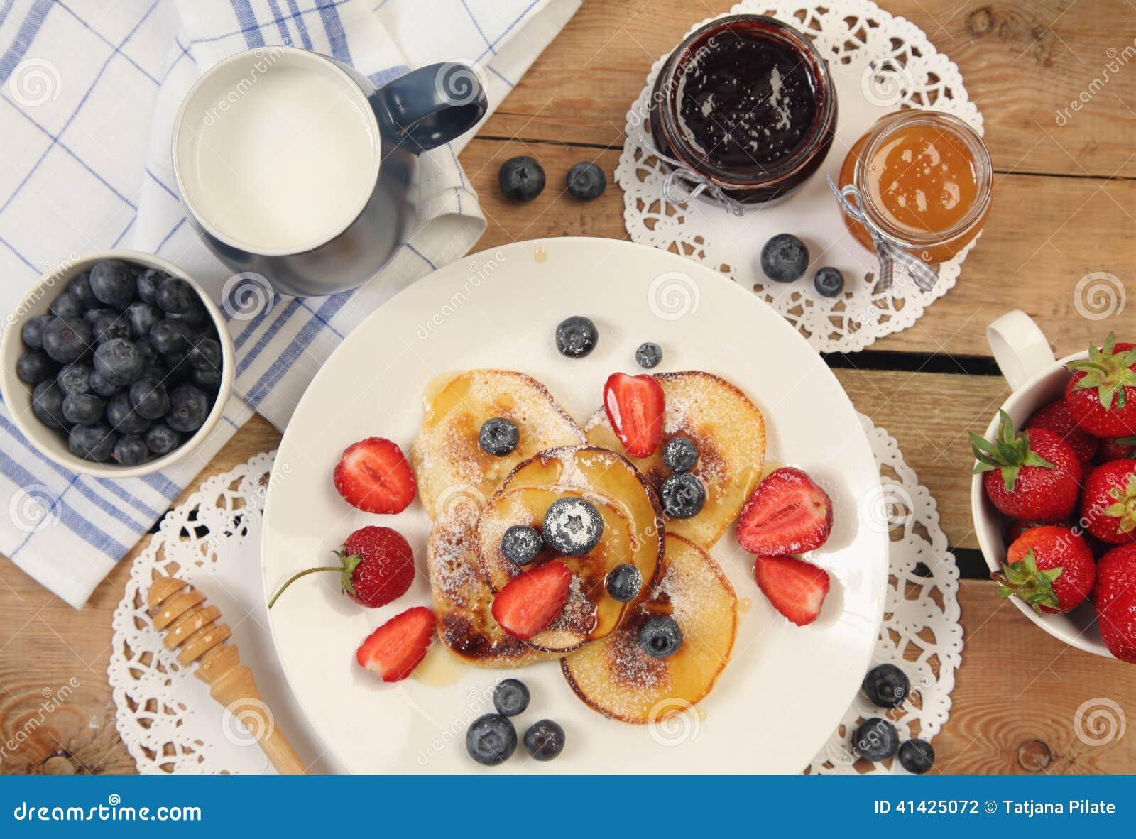 Таблица с завтраком