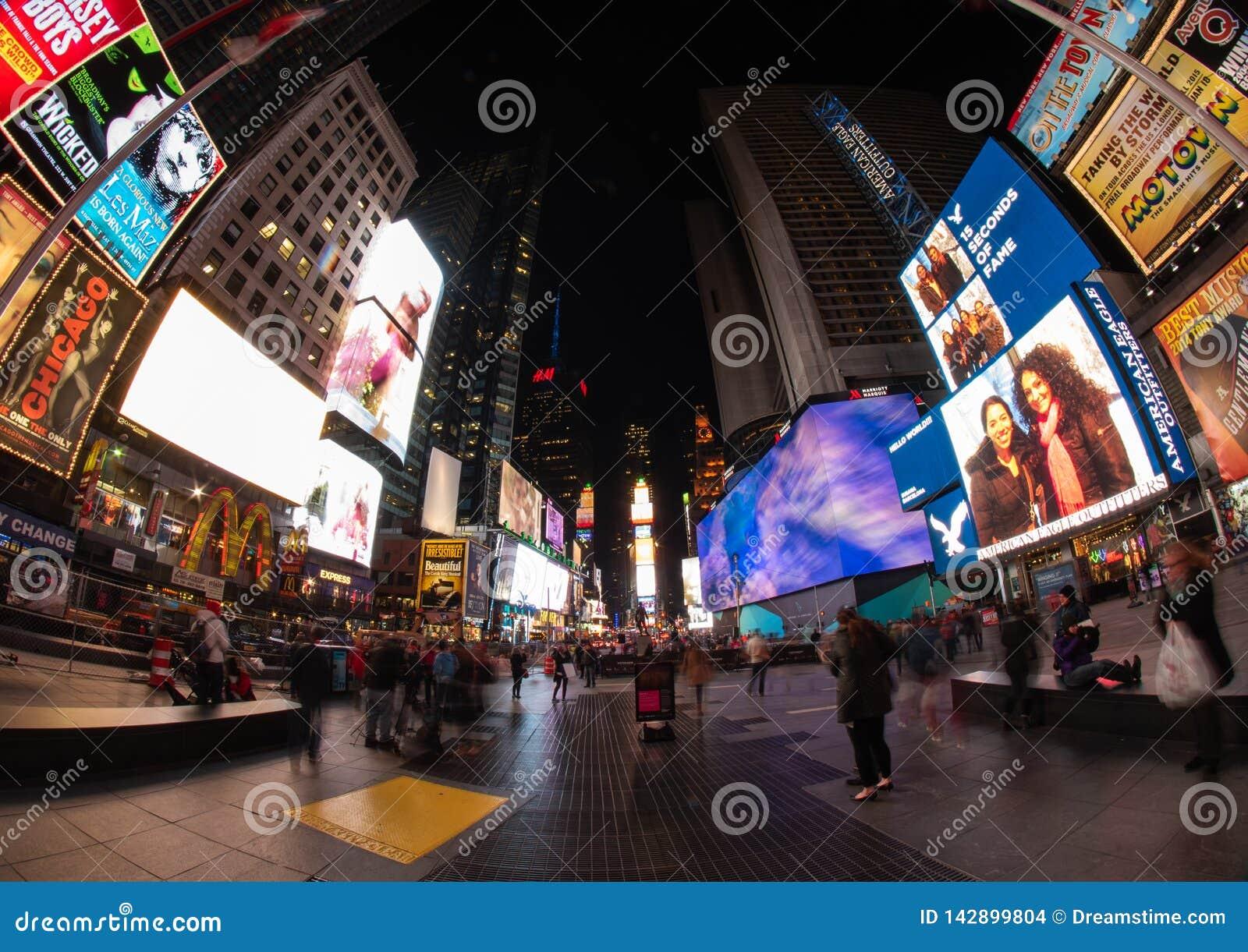 Таймс-сквер вечером, NYC